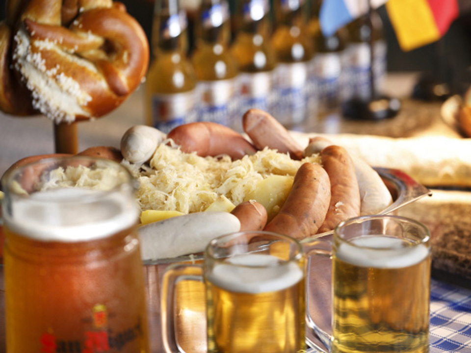 oktoberfest-food-and-beer
